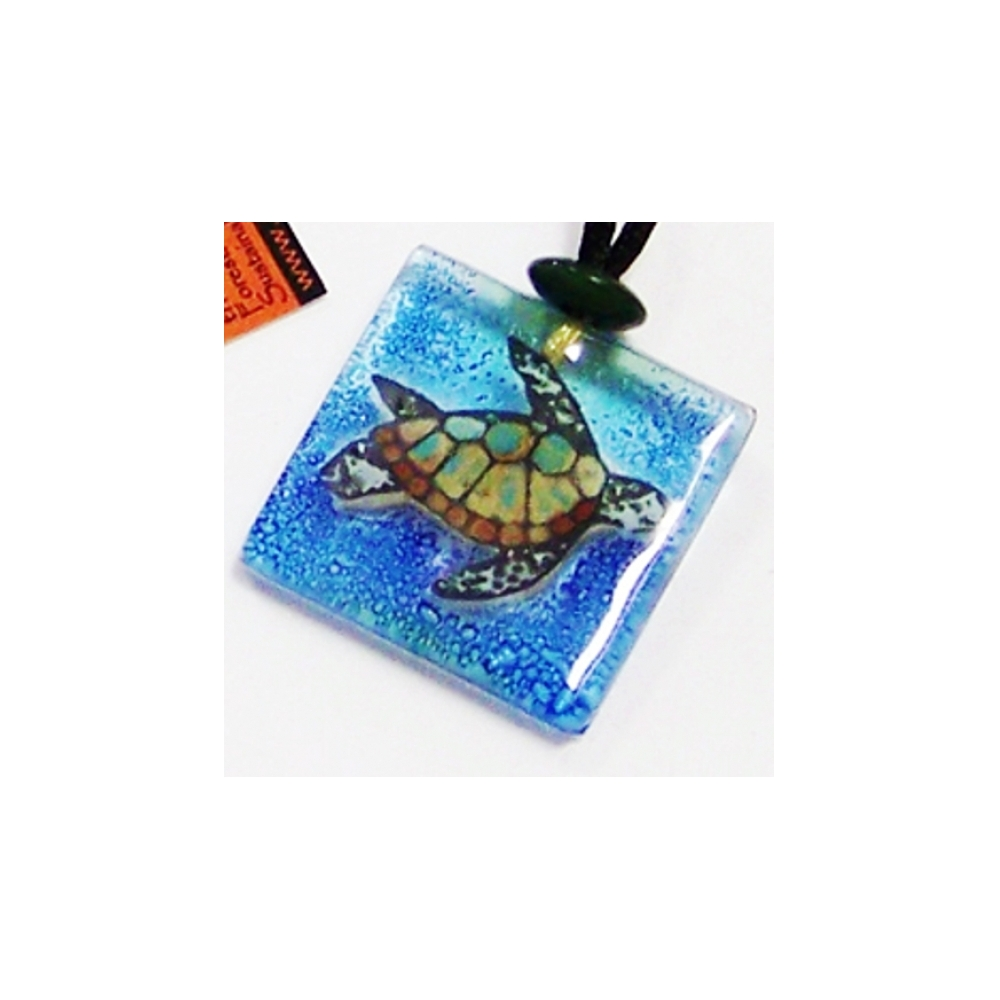 Recycled glass green sea turtle pendant necklace 427d for Recycled glass art projects